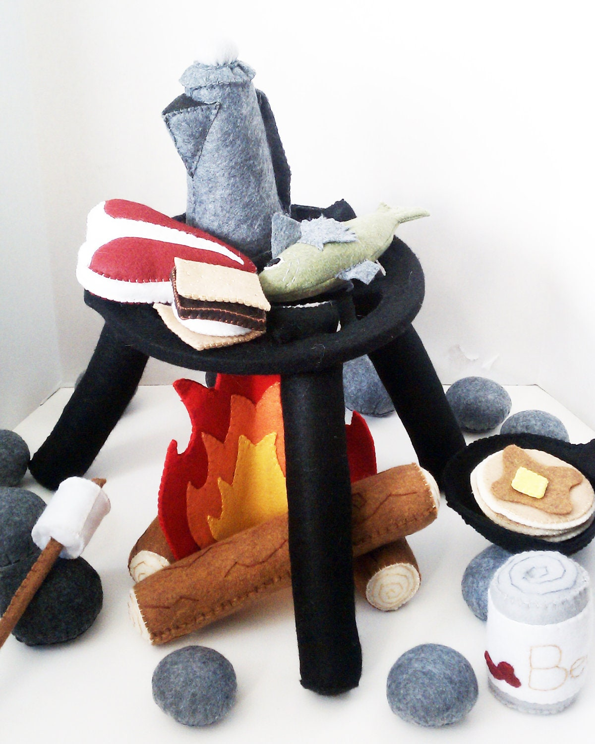 Campfire playset at www.livedreamcreate.com