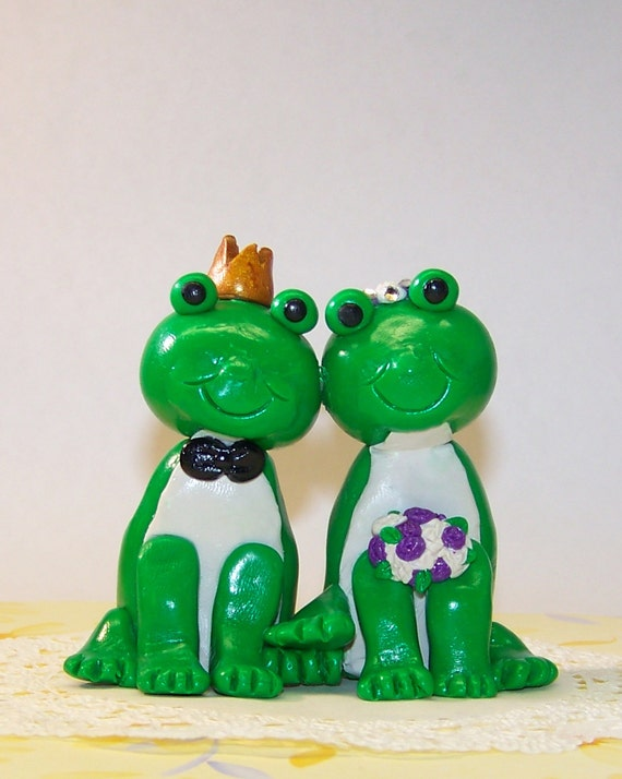 frog wedding cake toppers items similar to custom frog wedding cake topper 14499