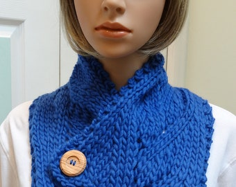 HAND KNITTED: Cowl/Scarf, Blue, bulky knit ,elegant style with two large buttons