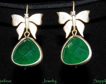 Butterfly Earrings Emerald Green AGATE Gemstone Earrings Gold Butterfly Earrings Crystal Earrings Handmade Butterfly Jewelry Charm Jewelry