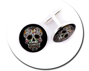 Cufflinks //Mexican Skull and Feathers // Round Pad Cufflinks / Glass Cabochon