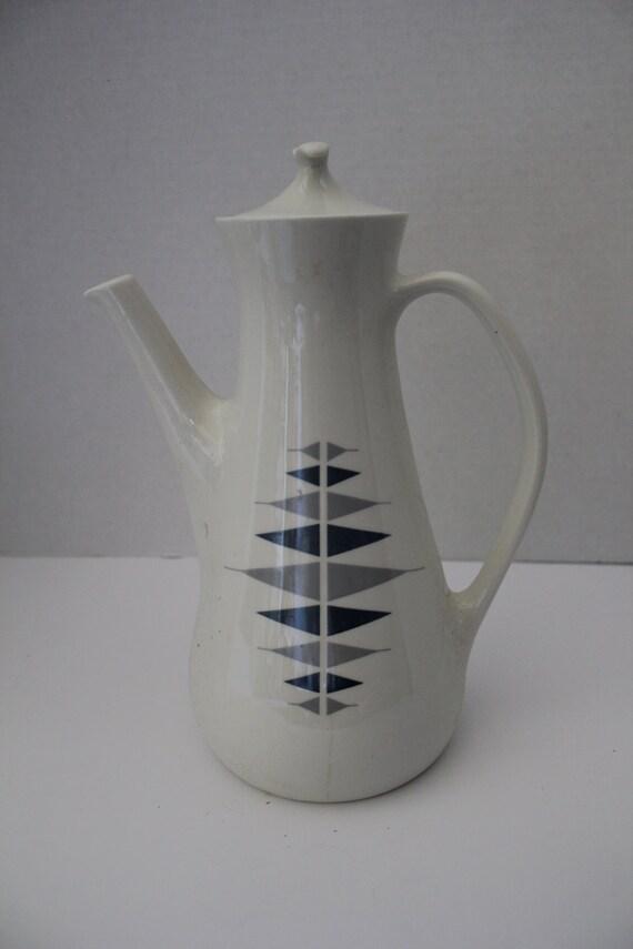 Ben Seibel Iroquois Impromptu China Pyramids Oval Teapot