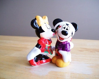 Christmas Mickey & Minnie Mouse Themed Salt and Pepper Shakers
