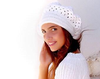 Crochet beret, warm hat, shunky,  White  flower hat