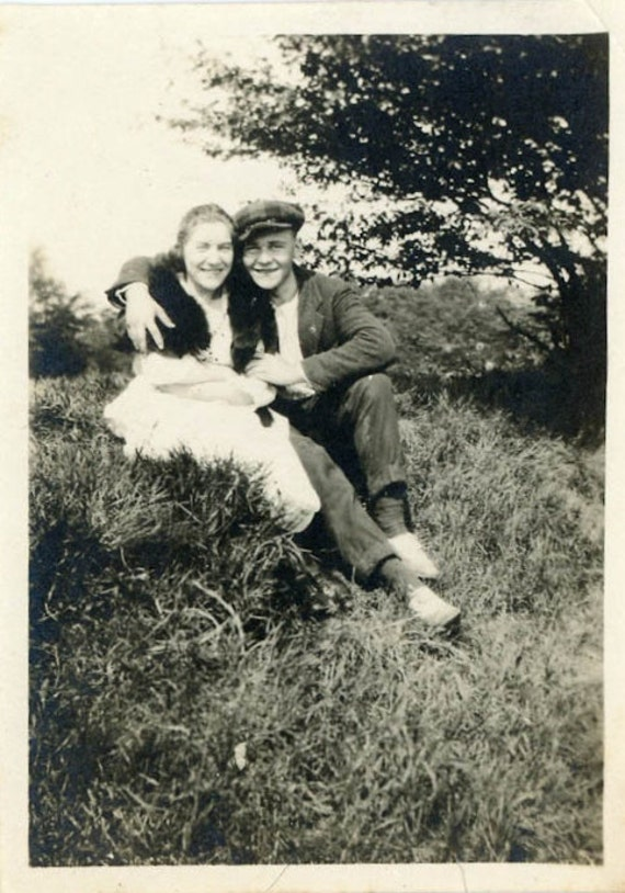 "Vintage Photo ""Young Love"", Photography, Paper Ephemera, Snapshot, Old Photo, Collectibles - HL003"