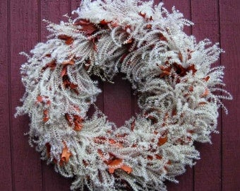 The Bree wreath, elegant year-round wreath, soft colors, rust and cream, plume grass and cinnamon brown oak leaves, windy day wreath