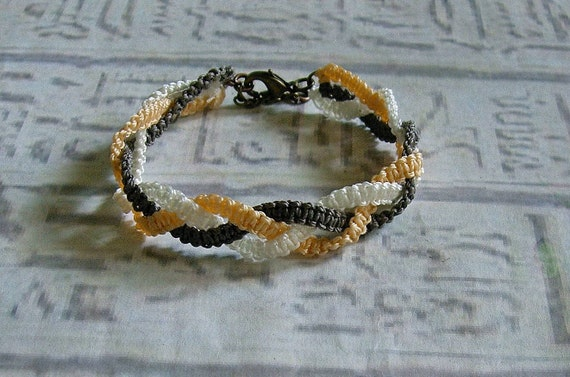 Macrame friendship bracelet. Macrame jewelry in fall colors.