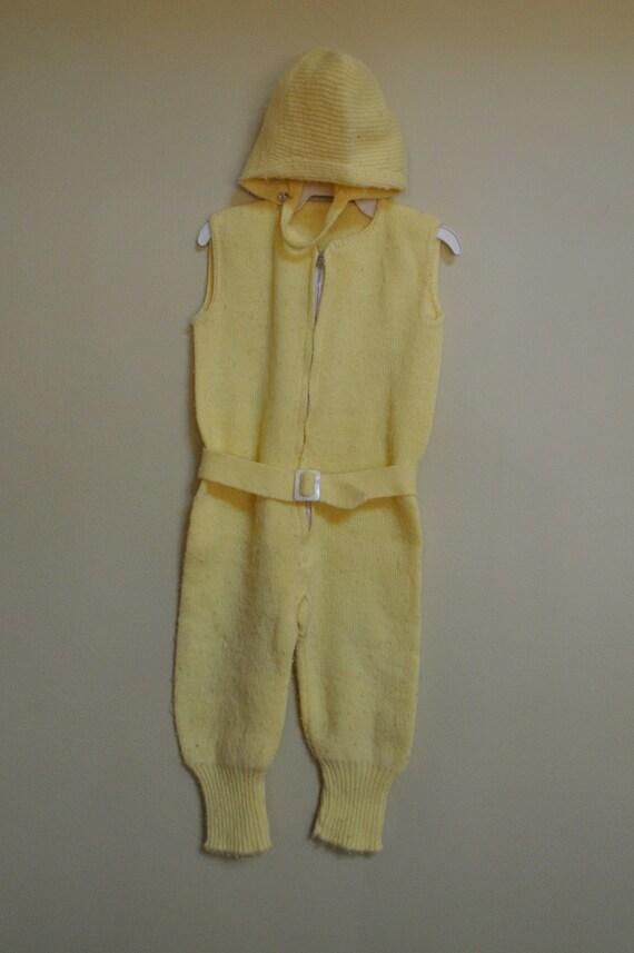 SALE -- Vintage 1960s Pastel Yellow Baby Girls Zip Jumpsuit Pant Suit w/ Belt & Hat size 12-18M