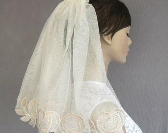 White Veil Unconventional Shoulder Length Blush Pink Applique Lace First Communion Girl Veil Alternative Boho Romantic Wedding Unique Design