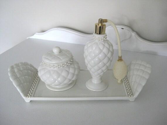 Vintage avon vanity set tray atomizer powder jar with for Bathroom tray set