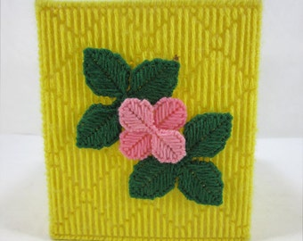 Knit Yellow Tissue Box Slip Cover With Pink Blossom And Leaves Vintage 1980's