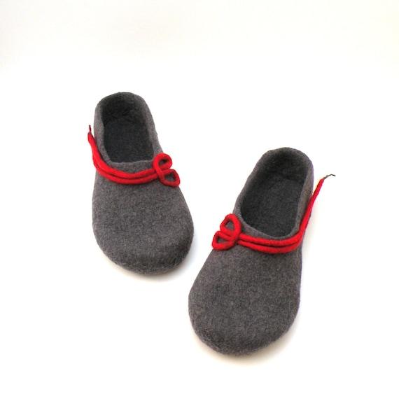 Felted wool slippers for women -  handmade wool clogs - grey red felt slipper - made to order - Wedding gift