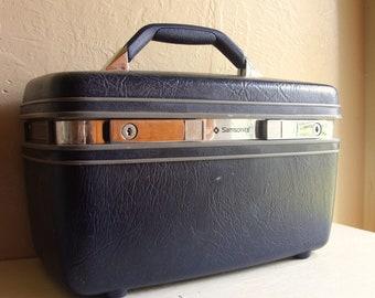 SALE - Vintage Dark Blue Samsonite Travel Train Case Locking with Keys