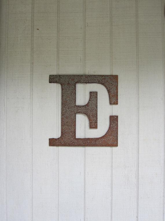 "Metal letter ""E"""