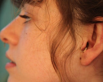 Tragus ring - solid gold tragus - tragus jewelry - piercing ring - tragus - Nose jewelry - tragus hoop - Primitive tragus - cartilage