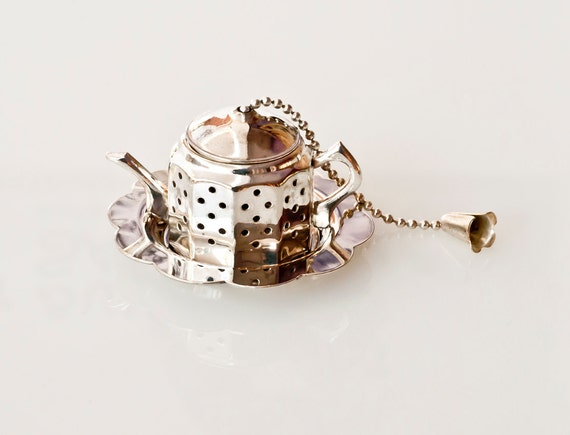 Silver Tea infuser with Resting Tray - Unique Tea Infuser - Tea Pot Infuser - Tea Strainer - English Tea Infuser