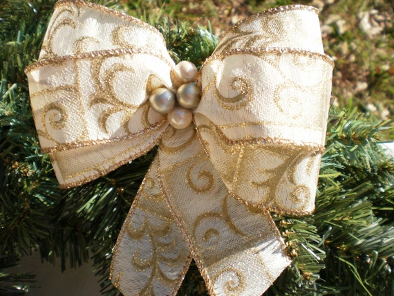 Gold Gift Package Bows / Garland Bows Elegant Christmas - Light Cream & Gold Tone Bows w/ Opal Pearl Bead Cluster- Set of Five Present Bows
