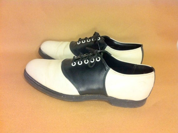 mens leather saddle shoes 11 two toned by melissajoyvintage