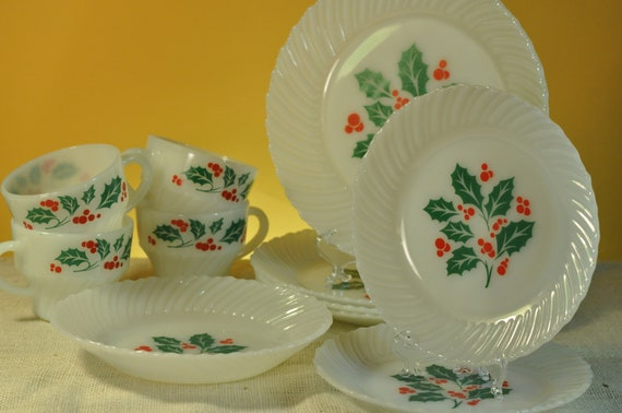 Christmas milk glass termocrisa dishes holly berry holiday