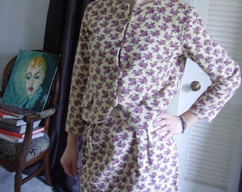 SALE  Vintage 1950s, 60s Mad Men Style Floral Print Matching Jacket and A-Line Skirt Suit