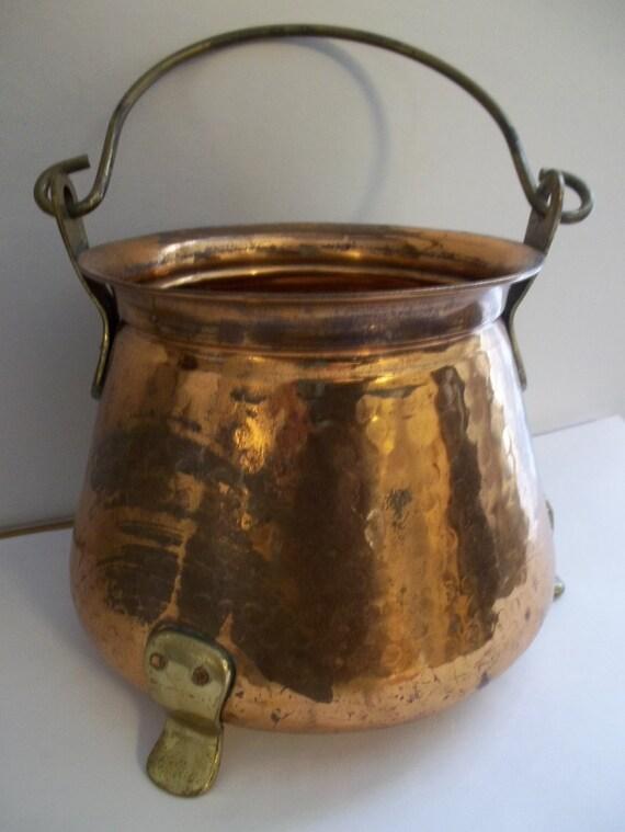 Vintage copper pot bucket cauldron pail old copper brass for Il fico d india rural chic