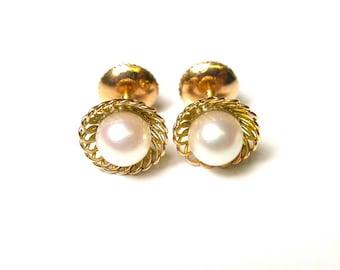 Vintage Earrings - 18k Yellow Gold Pearl Earrings - Screw Back Earrings - Pierced - Weight 3.8 Grams - Wedding - Bride - Bridal # 81