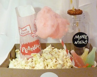 12 OLD ScHooL FOOD TraY/ with DriNk HolderS /SNACK/ MoVie/ POPcorN/ CoTTon CanDy/ SodA/HotDog/ Onion Rings /SleePoveR / Party Perfect