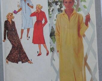 Simplicity 9048 Pattern - UNCUT - Misses Robe - Size 10 & 12 - Vintage - Fabulous