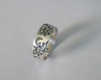 925 Sterling Silver IYI Symbol of Tangra Sun God