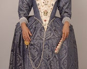 Pattern for Women's Late Elizabethan Gowns - Small Sizes