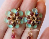 DIY Flower Earrings Tutor...