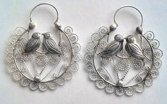 SALE Frida Kahlo style, Kissing birds surrounded by fine filigree, traditional handcraft