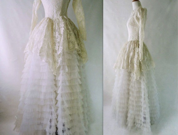 50s Wedding Dress Vintage Cupcake Stunning Chantilly Lace Tulle Cream White Full Skirt Peplum Size Small