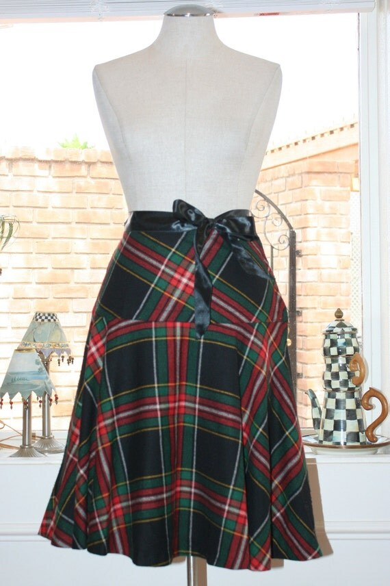 Mini Plaid - 1960's Lord and Taylor Circle Skirt in Plaid - Fall and Winter Skirt - 1960's Vintage Skirt