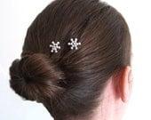 Pearl Snowflakes - Set of 2 bobby pins