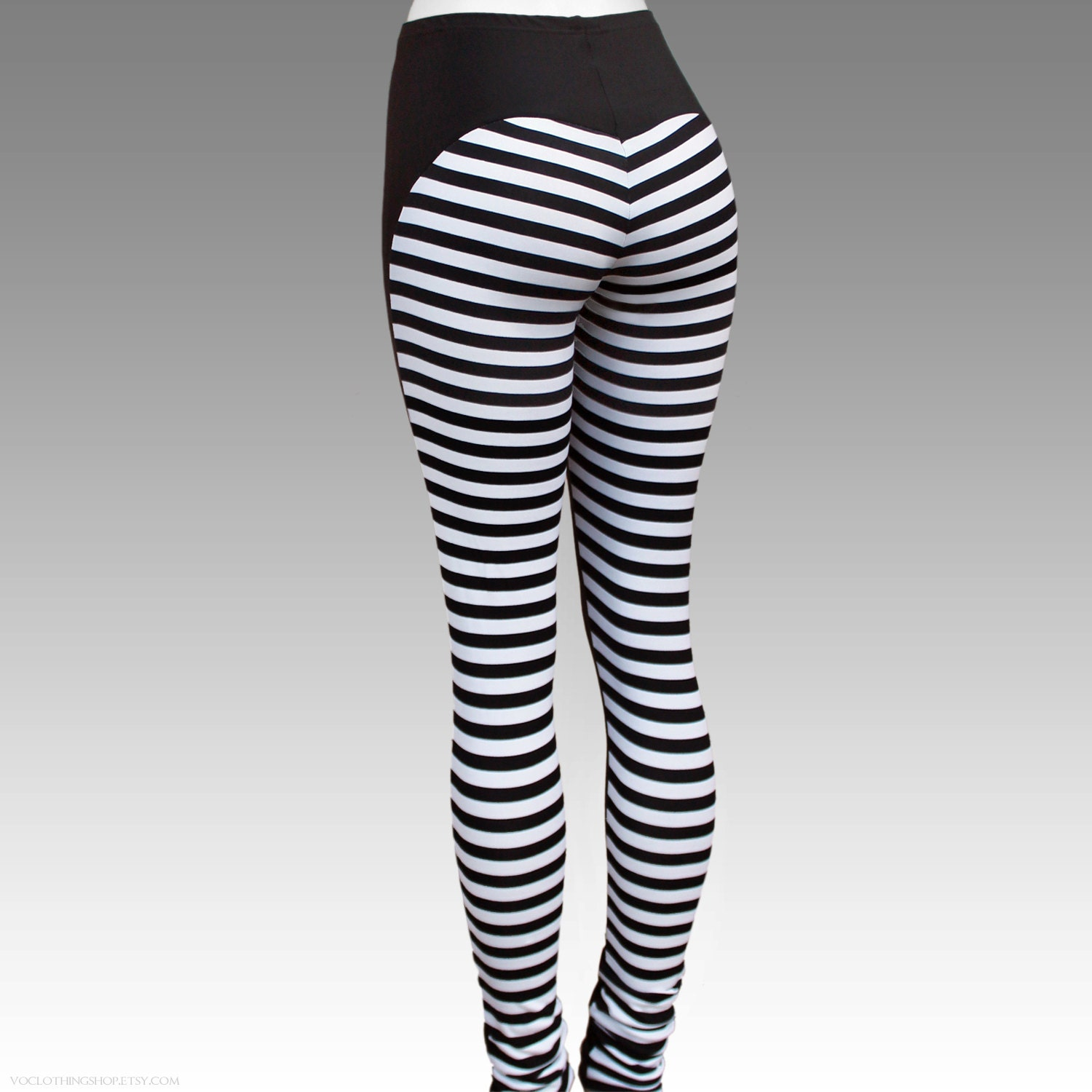 BLACK WIDOW white striped matte spandex leggings size medium