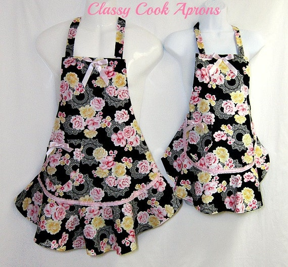 Aprons Mommy & Me Set, PINK and BLACK, RUFFLED Flounce, Mother Daughter, Pretty Party Unique Kitchen Gift