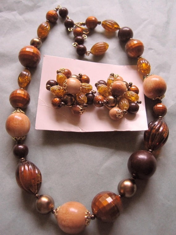 Vintage Western Germany Necklace and Cluster Earring Wood and Lucite Set OLD STOCK Original Card costume jewelry earth tones