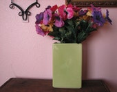 Hyalyn Tall Retro Green Vase