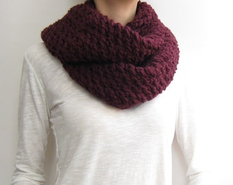 Infinity scarf knitted chunky burgundy circle scarf,knitted loop scarf