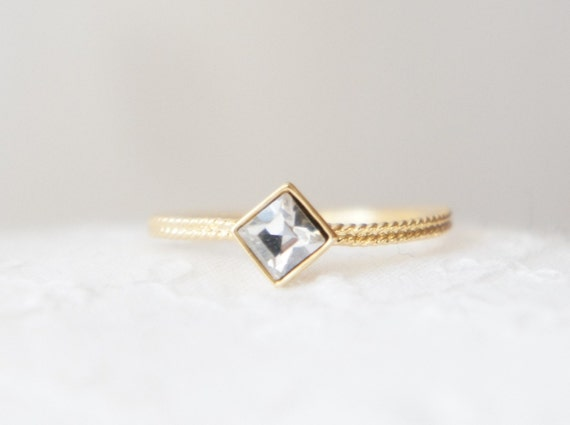 Gold square bezel crystall swarovski ring- faceted gemestone- modern minimalist jewelry for everyday