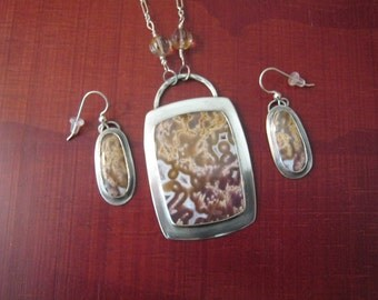 Agua Nueva Agate Sterling Silver Necklace and Earring Set