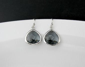 ash drop earrings , grey glass earrings , bridesmaid earring , charcoal dangle earring , silver ash earrings , black diamond earring