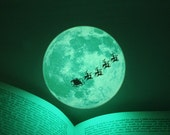 Christmas Moonlight / S-size (glow in the dark moon sticker - 9cm)