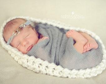 Ivory Newborn Baby Bowl, Handmade Nesting Bowl, Baby Pod Cocoon Egg, Crochet Newborn Wrap, Newborn Photo Prop, Newborn Photography Prop