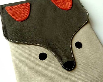 iPad Case/Sleeve - The Fantastic Fox (Olive Beige)