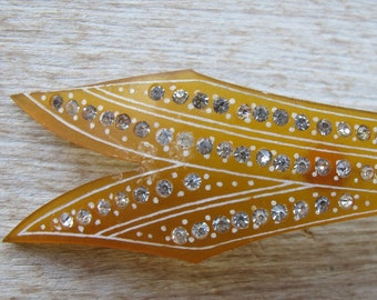 Vintage Large 1930s 1940s Art Deco Rhinestone Arrow Brooch Pin Amber Plastic