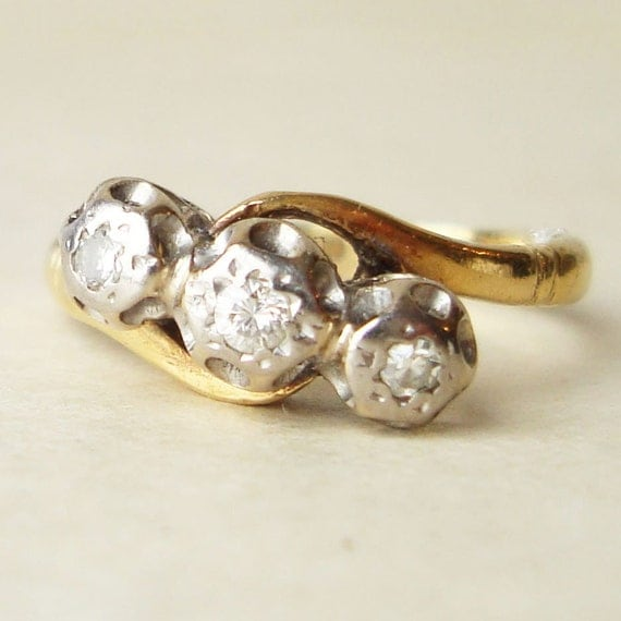 Vintage Diamond Ring,  Engagement Ring, Diamond Trilogy Wedding Ring, 18k Gold Ring Approx. Size US 5.5