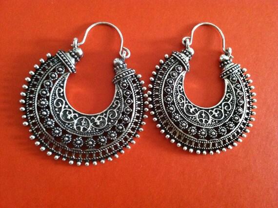 Mayan beauty hoops - 1