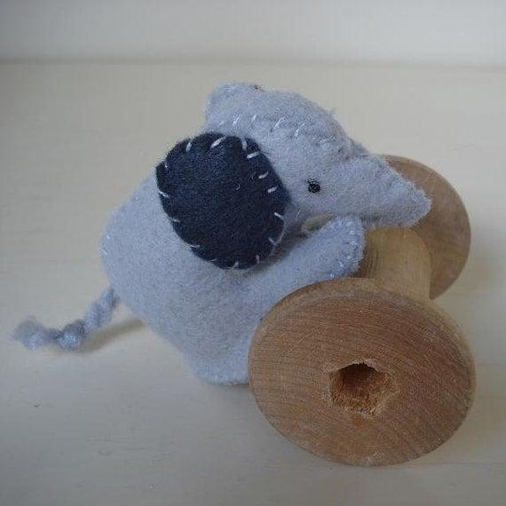 Little grey elephant - Ben